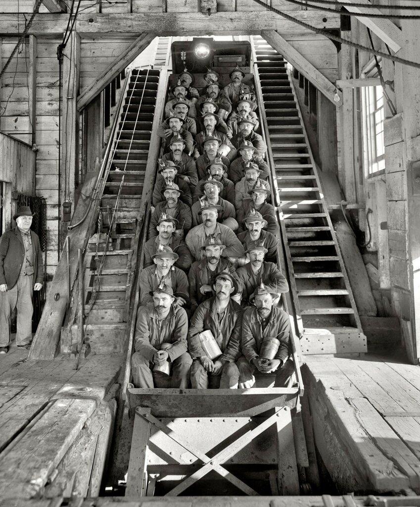 Calumet copper mines, Michigan, 1905