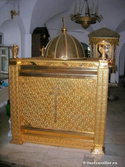 Мировареная печь в Малом соборе Донского монастыря в Москве