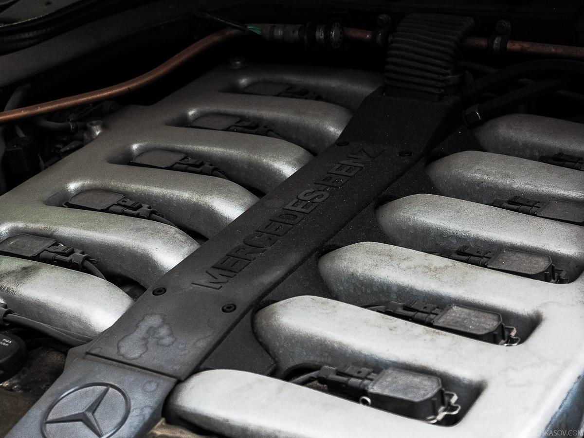 Трехслойные бронестекла огромной толщины — практически все, что помогает внешне идентифицирова