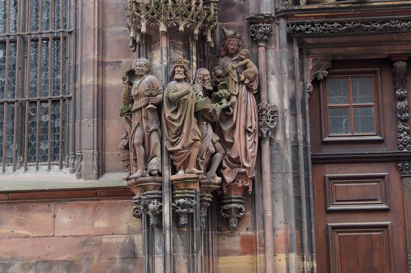 Страсбургский собор. Портал Св. Лаврентия. Богоматерь с Младенцем и Поклонение волхвов