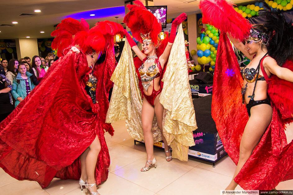 А-ля бразильский карнавал в ТРЦ РИО