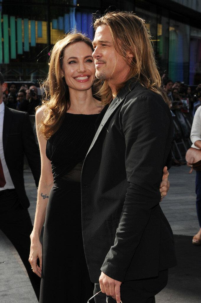 """Брэд Питт и Анджелина Джоли на премьере фильма """"Война миров Z"""" (2013) в Лондоне"""