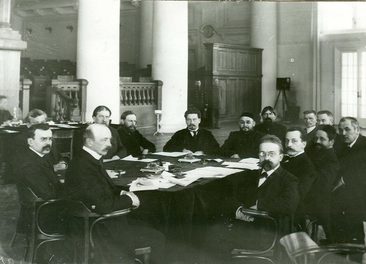 Заседание членов первой комиссии первого отдела по проверке полномочий