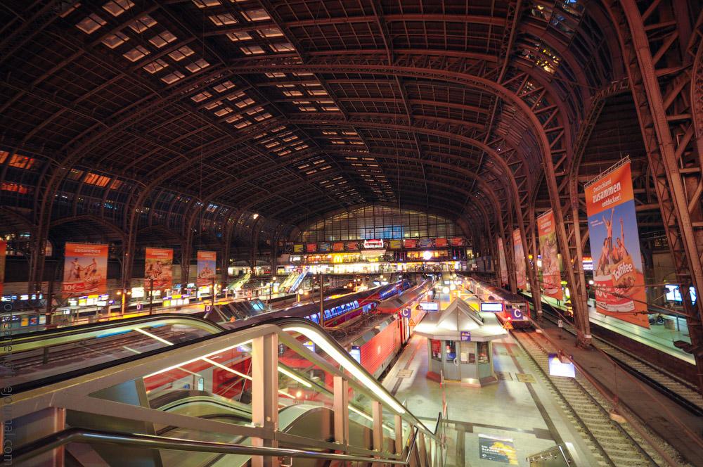 Hauptbahnhof-(8).jpg