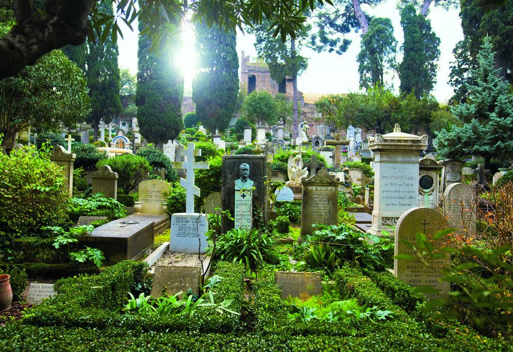 Самые красивые кладбища мира на снимках Лорен Роадс
