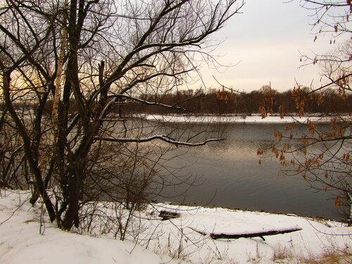 На зимнем берегу