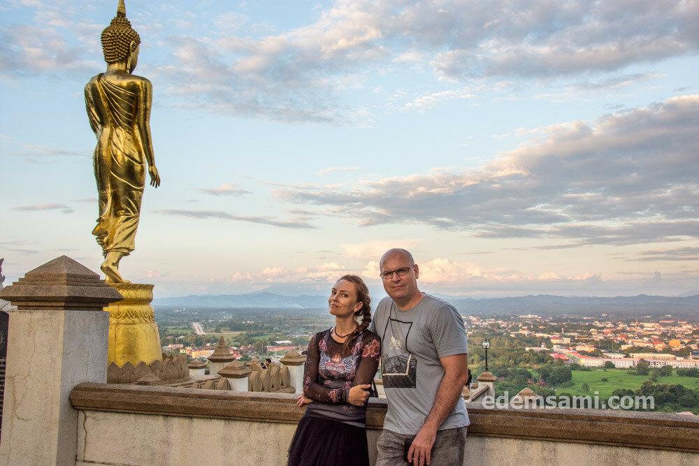 Таиланд Нан храм Пхратхат Кхаоной