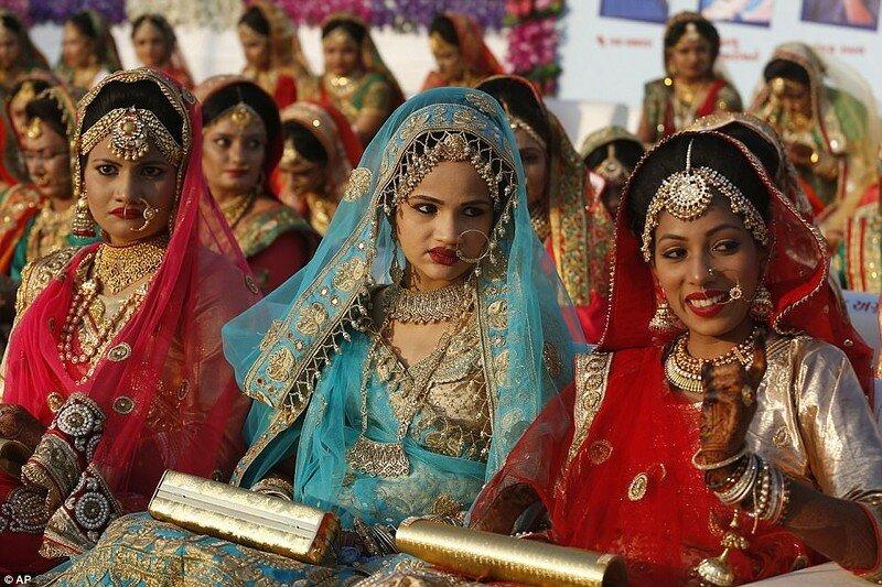 0 17cdbc 1b81380e XL - Массовая свадьба и вдохновляющий пример благородства