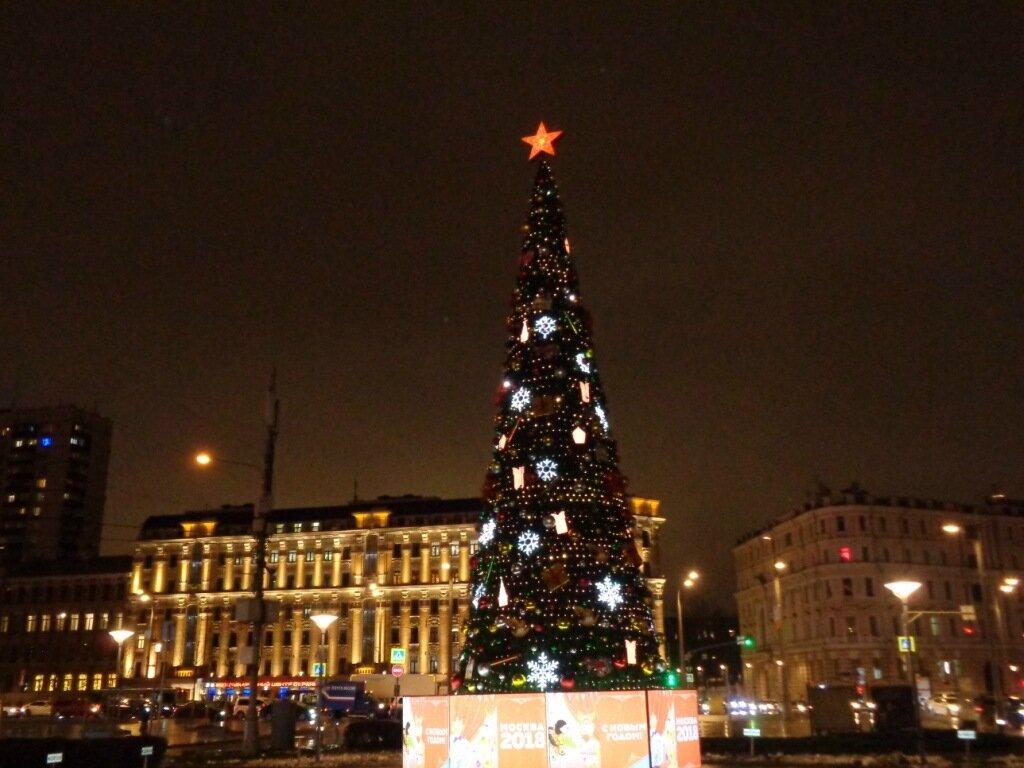 Ёлка на Зубовской площади