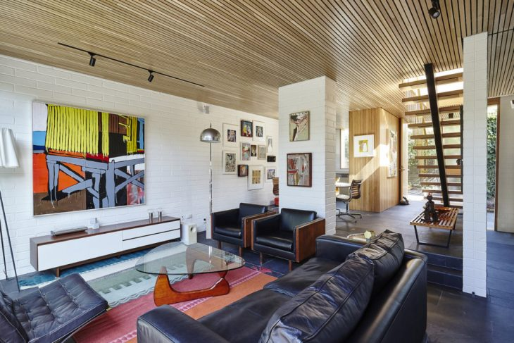 Winwood Mckenzie Architecture   designed this modernist family residence located in