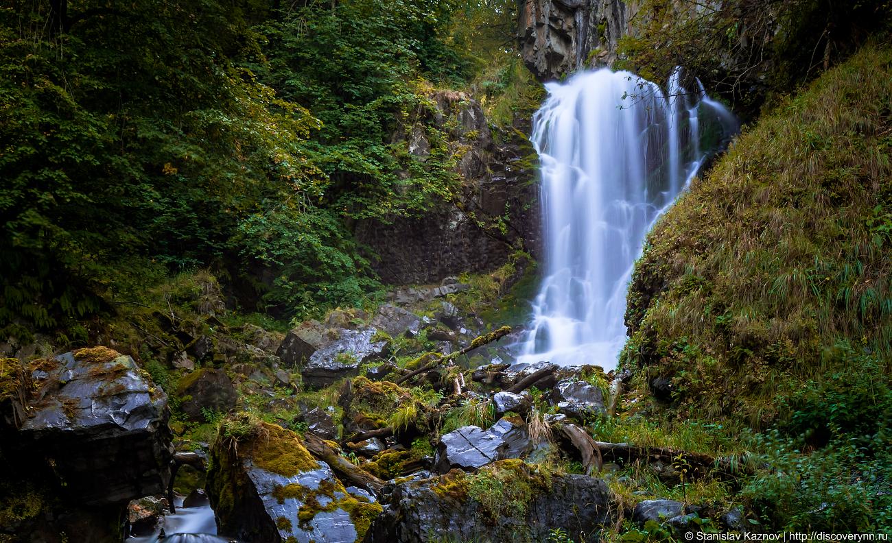 Ляжгинский водопад водопада, почти, метров, ущелье, место, выдержкой, делал, падающие, длинной, струи, снимал, темновато, прекрасного, этого, места, Приятное, вечером, самое, делали, очень