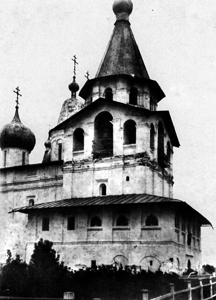 Окрестности Холмогор. Свято-Троицкий Антониево-Сийский мужской монастырь