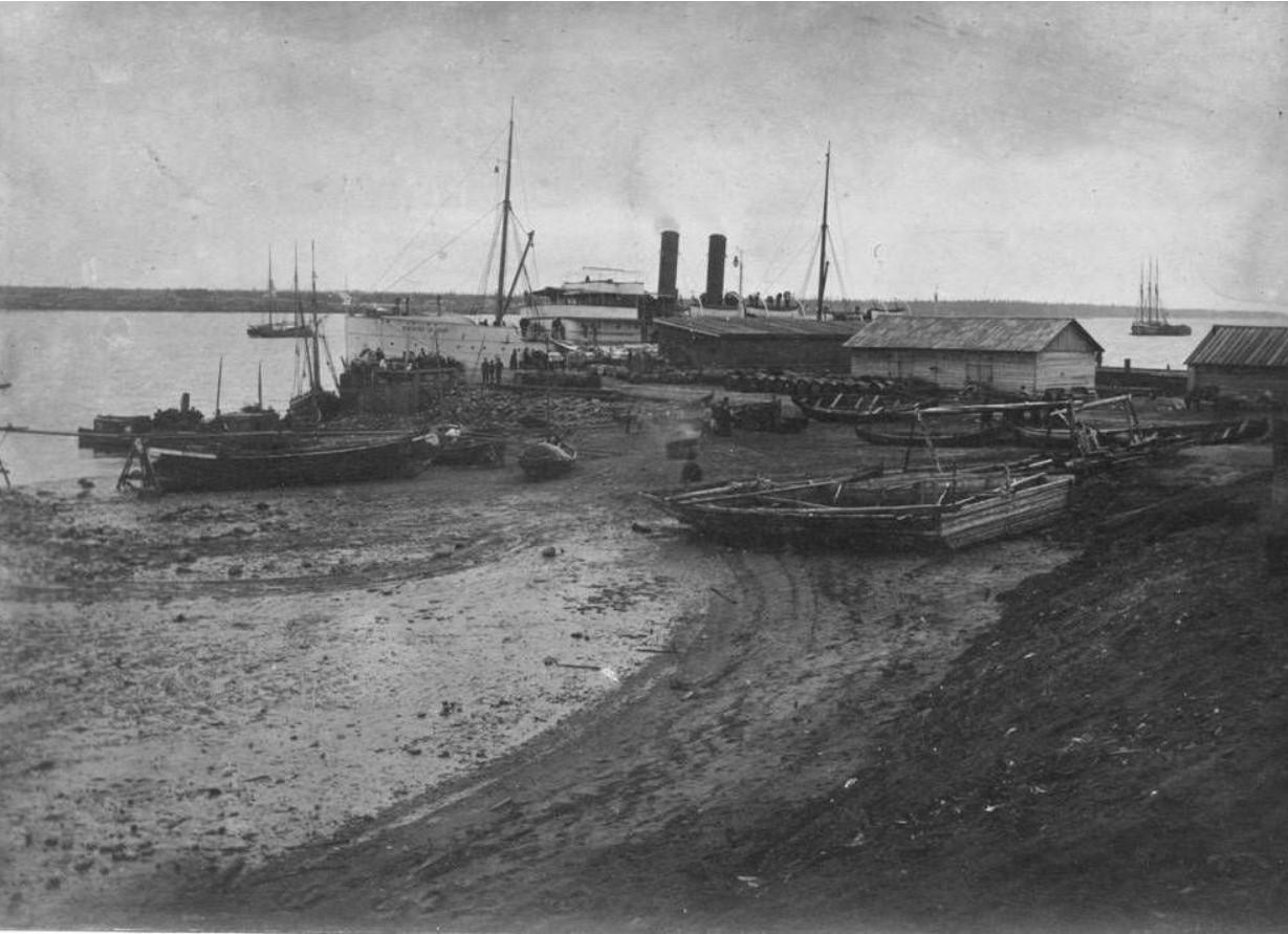 Пароход «Василий Великий» на Онежской пристани