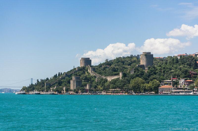 Крепость Румелихисар. Пролив Босфор.