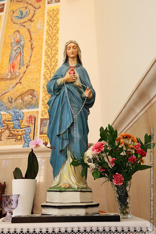 Казань Католический храм Воздвижения Святого Креста фотография