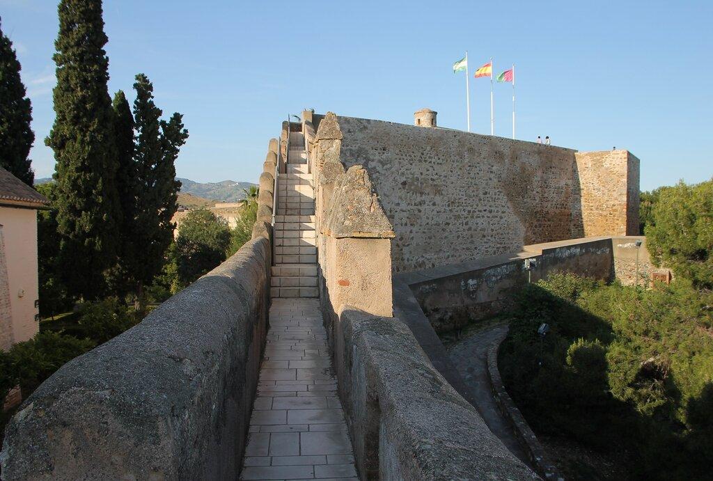 Малага. Крепость Хибральфарo (Castillo de Gibralfaro)