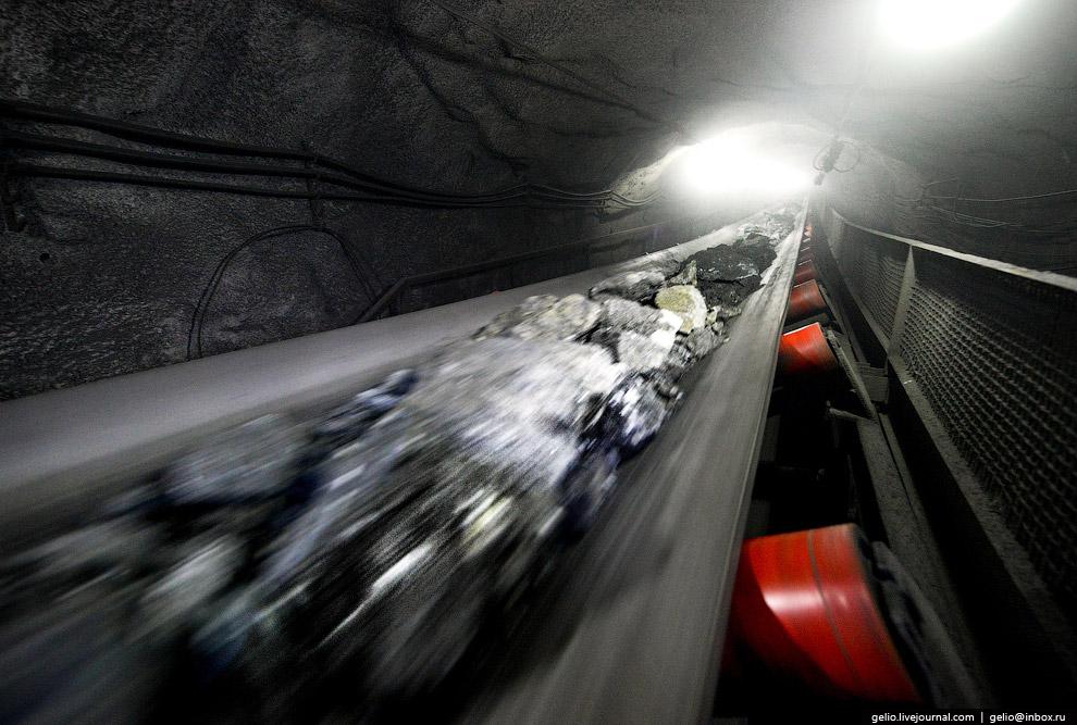 8. Все добываемые руды перерабатываются на собственной обогатительной фабрике комбината. Для обогаще