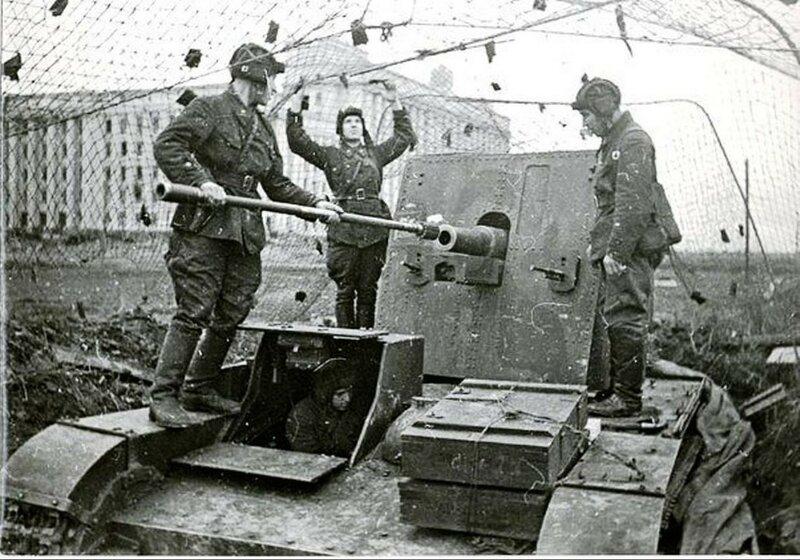 СУ-26 на позиции у Дома Советов