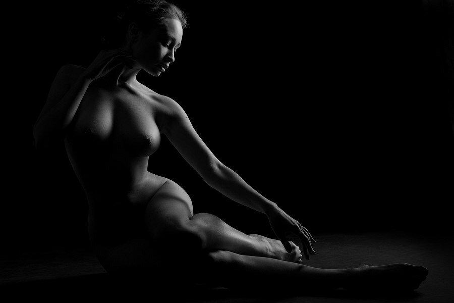 наших инцест черно белые фото девушек эротика деваха