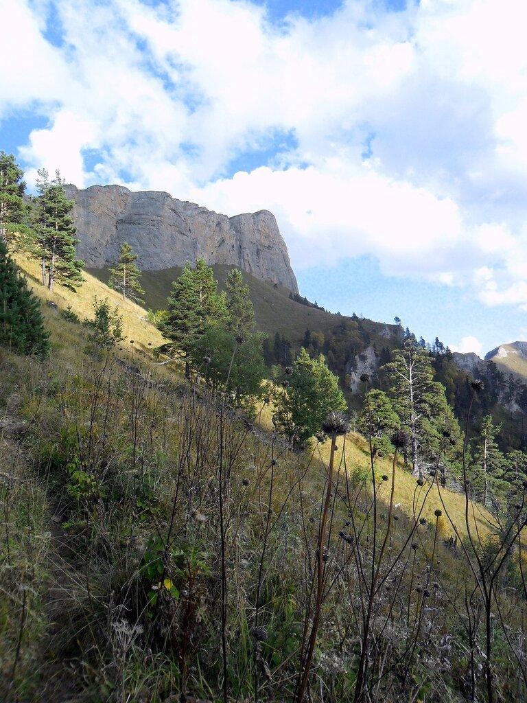 В походе, Тхач, Кавказ, сентябрь