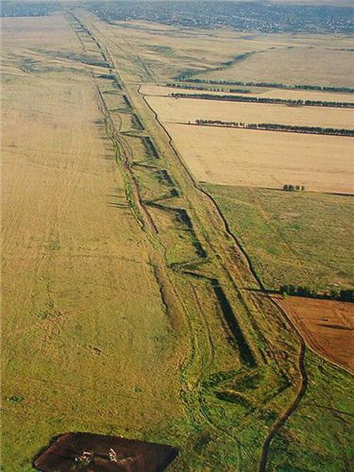 Волжские редуты, направленные артиллерийскими зубцами на запад, а не на восток.
