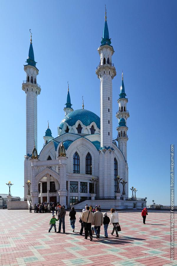 Мечеть Кул Шариф почти против солнца
