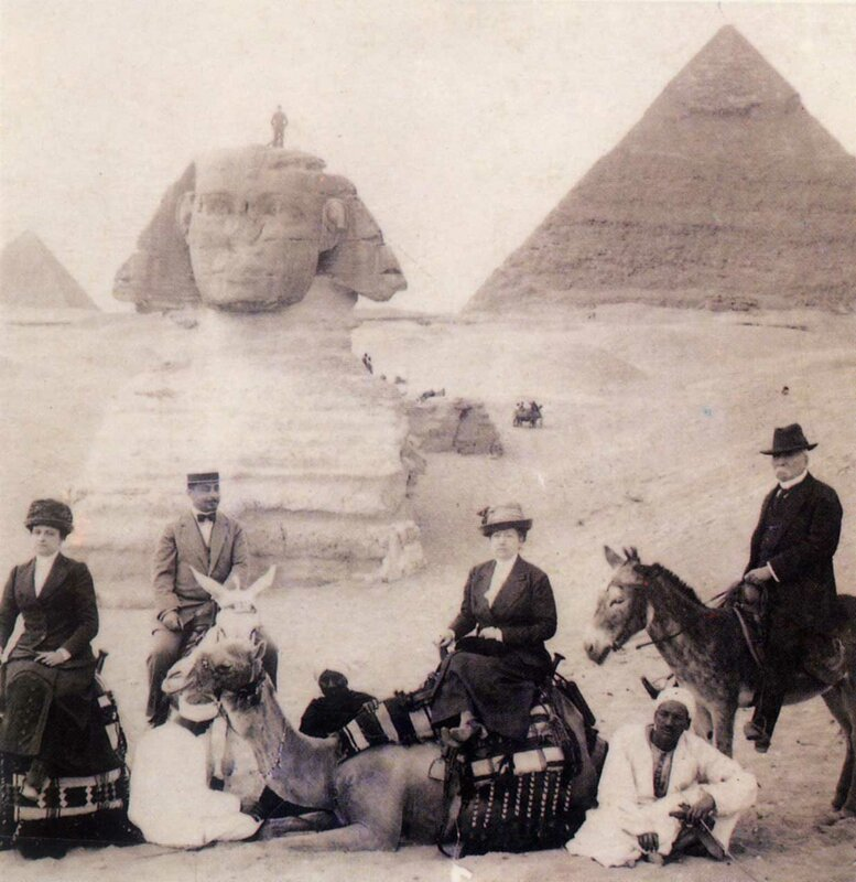 Exiled Mexican president Porfirio Díaz in front of the Great Sphinx of Giza, 1913