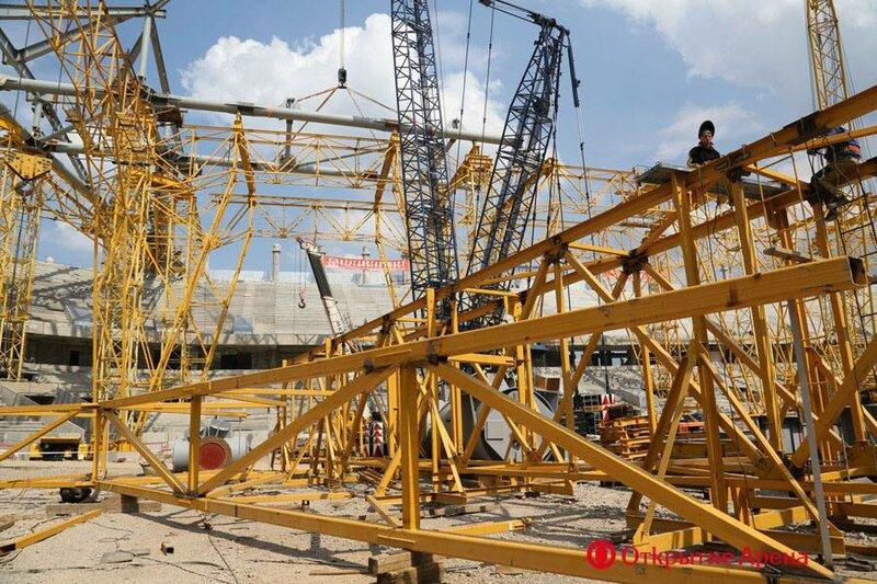 На строительстве стадиона «Открытие Арена». Начало июля 2013 (Фото)