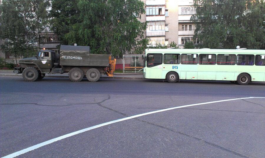как буксируют автобус