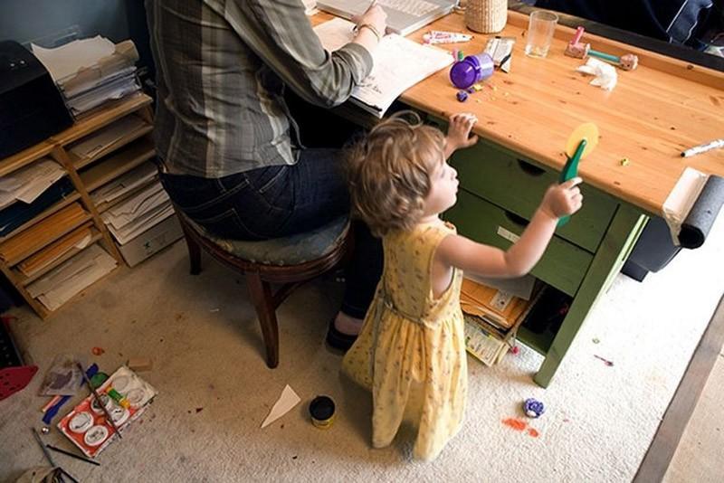 1. Правило первое: идеальных мам не существует Работающая женщина всегда стремится объять необъятное