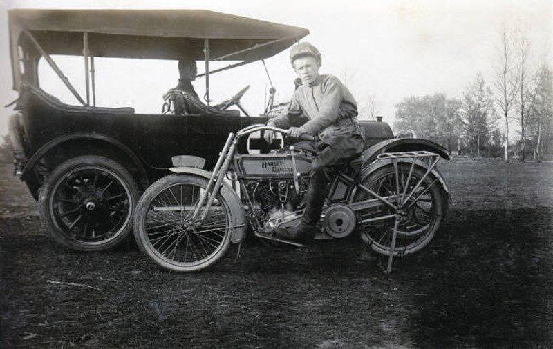 Harley Davidson in 1915