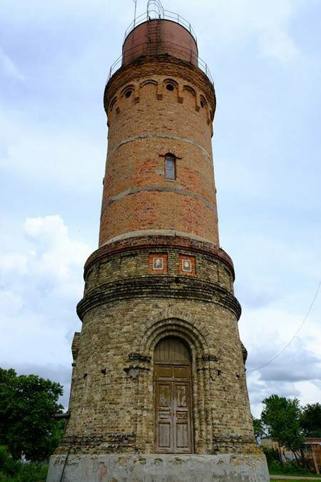 Водонапорная башня с иконостасом