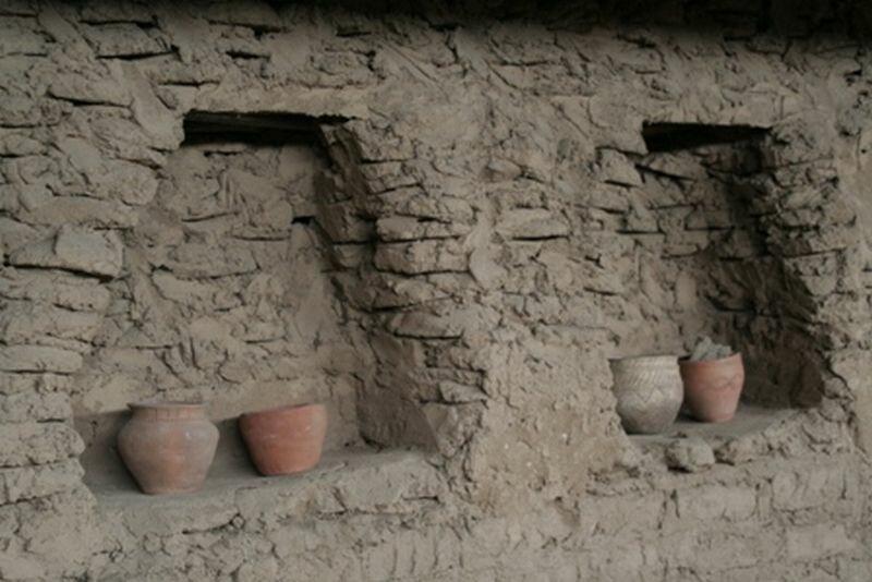 Стены аркаимских домов (29.05.2013)