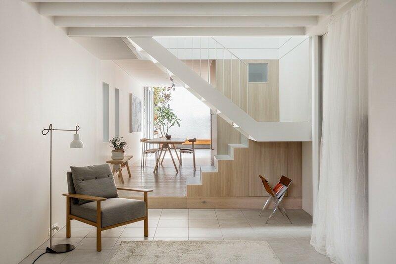 Лестница для дома на второй этаж дизайн фото 11