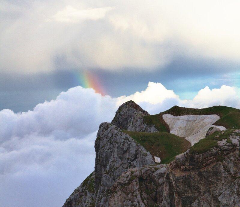 Немного радуги и горы