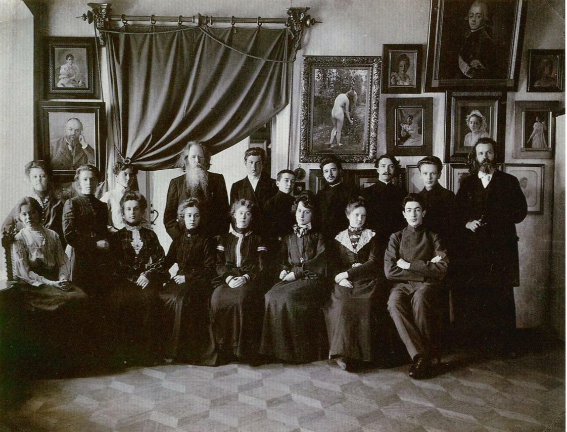 А.О.Карелин со своими учениками