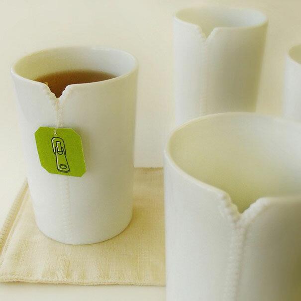 Чашки на молнии от дизайнера Megawing. В выемке удобно зафиксировать веревочку от чайного пакетика