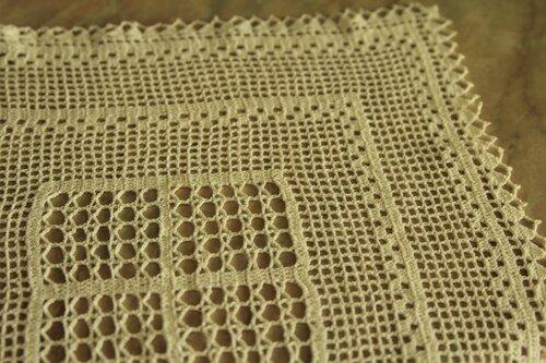 салфетка в филейной технике