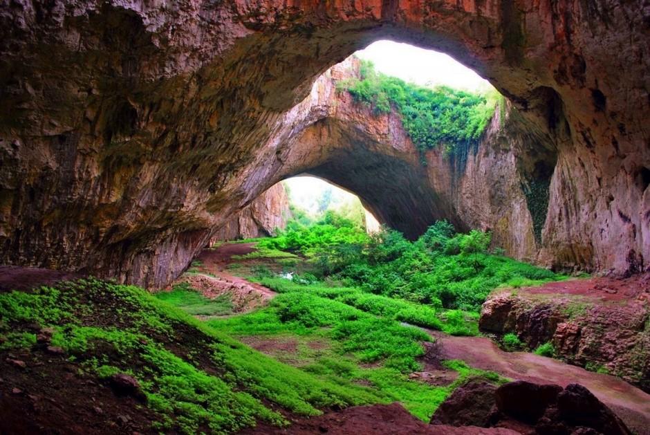 Пещера Деветашка, Болгария