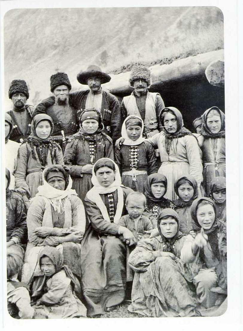 Карачаевцы с коша на реке Кичкане-кала. ХIХ век.