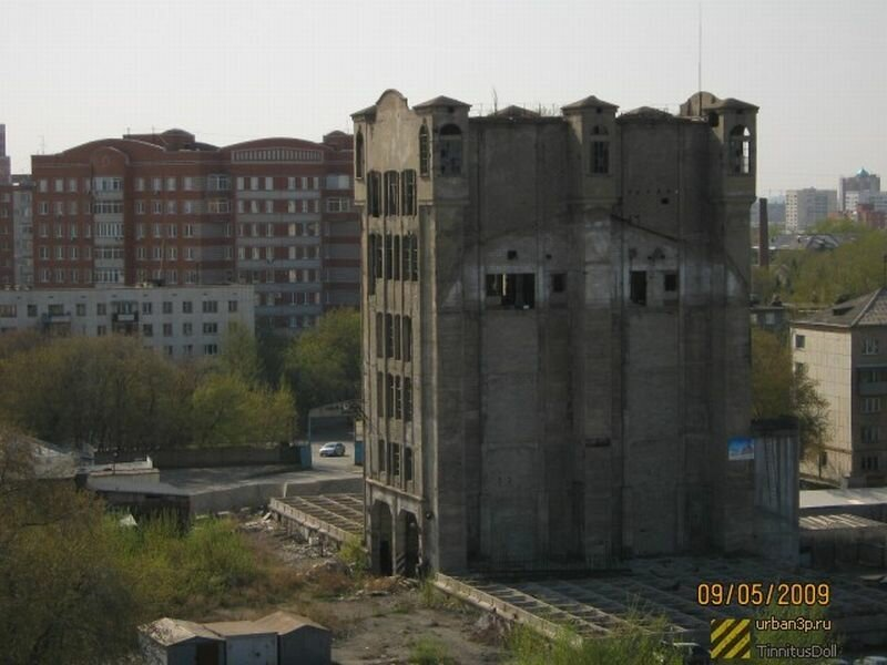 Здание Челябинского элеватора (07.06.2013)