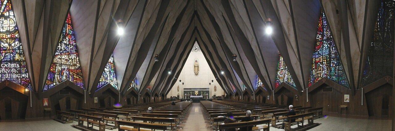 Мадрид. Церковь Святого Причастия  (Parroquia del Santísimo Sacramento)
