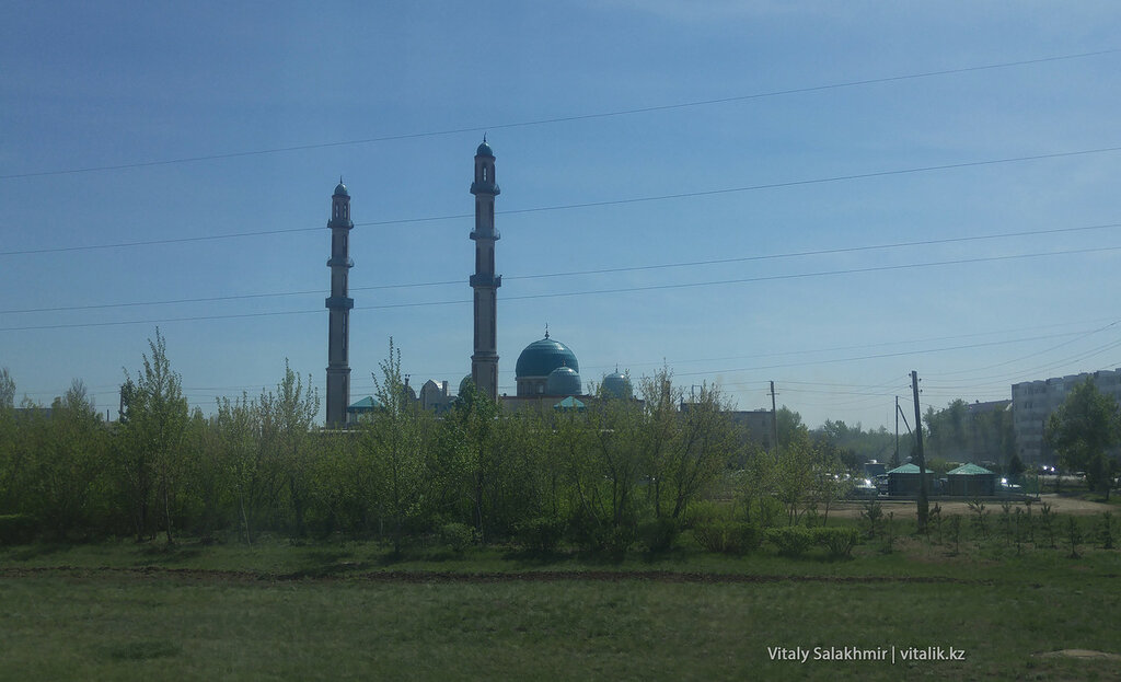 Мечеть на окраине Астаны.