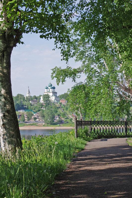 Кустодиевский бульвар