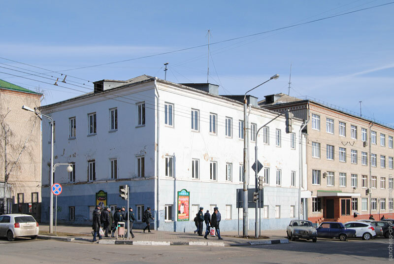 Дом Жданова (кон. XIX в.) с надстроенным верхним этажом (1962) Фото Sanchess, 2013
