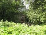 Известняковые скалы через реку от Полушкино
