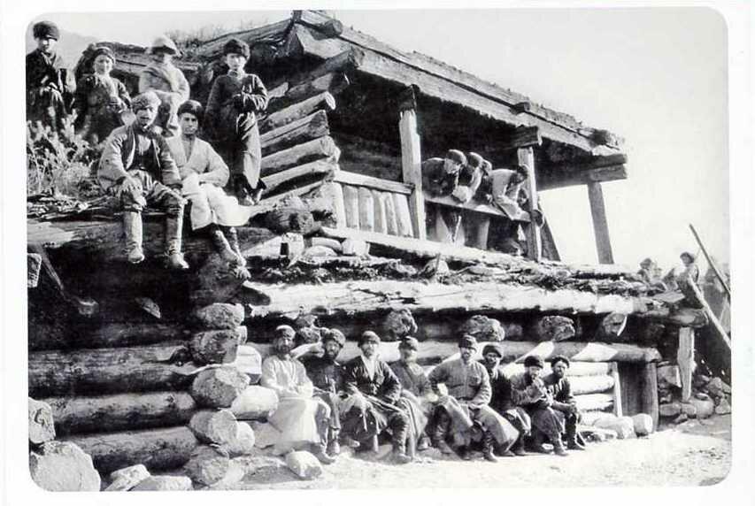 Сельский сход. Баксанское ущелье. 1883