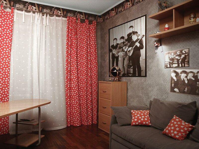 уже шторы в молодежной комнате фото семье самый старший