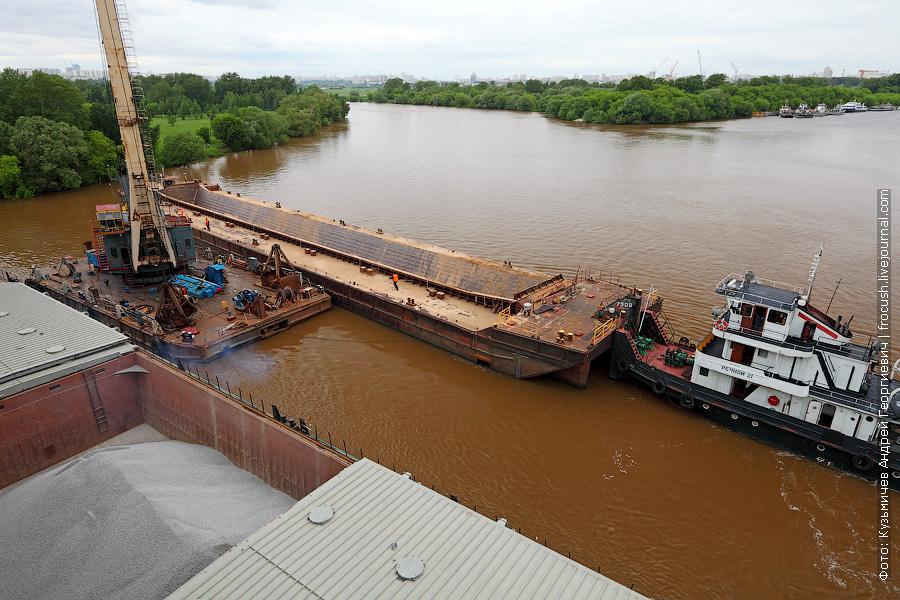 Отшвартовавшись у плавкрана, начался процесс распаузки «Волго-Дон 201»