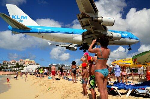 Аэропорт на острове Сент Мартин (2 видео)